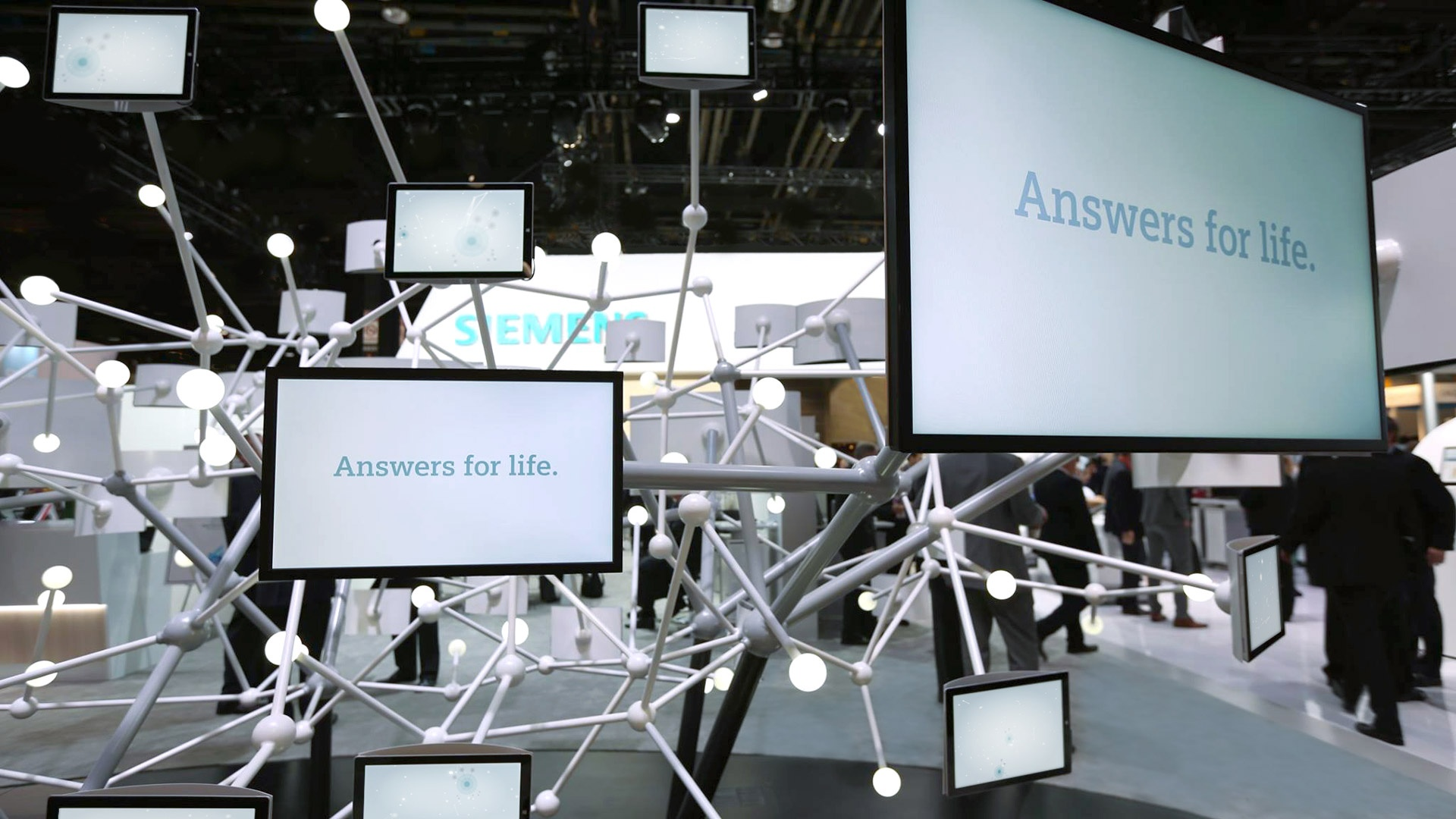 Multimedia Messestand Siemens Healthcare
